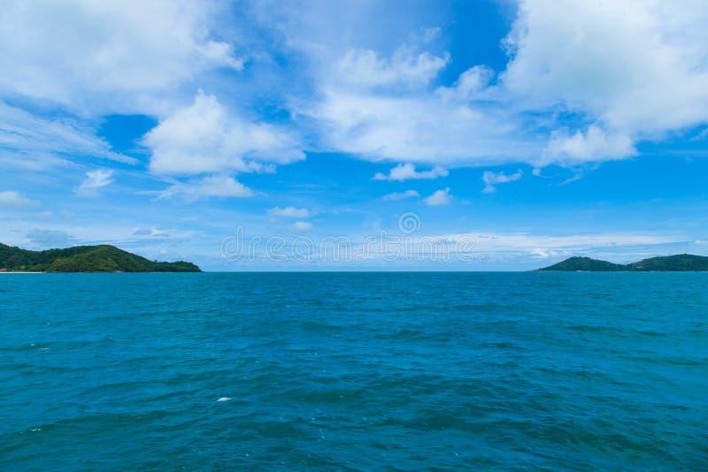 Небо, море и острова. стоковые изображения