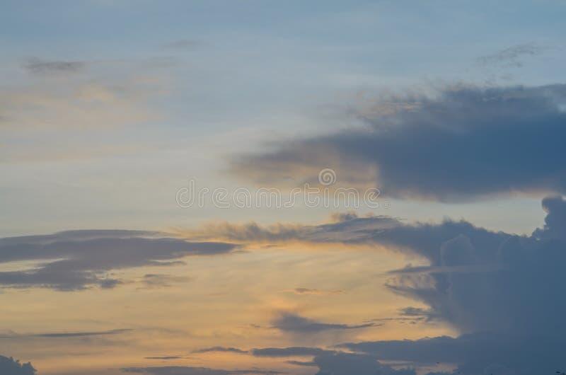 Небо на времени вечера стоковые изображения rf