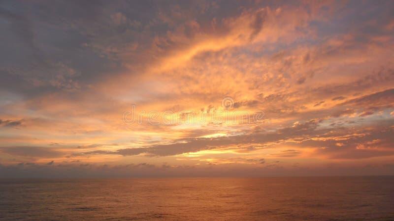 Небо на пожаре стоковое изображение