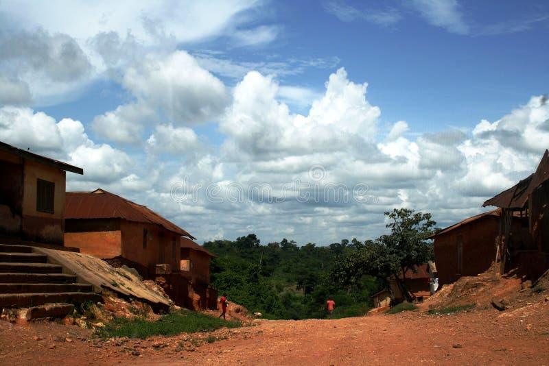 Небо над сельской дорогой стоковые фотографии rf