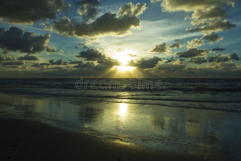 Небо облаков на заходе солнца стоковое фото rf