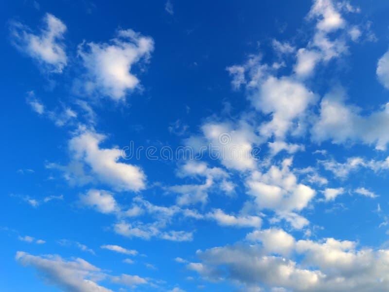 Небо пасмурное небо стоковое изображение