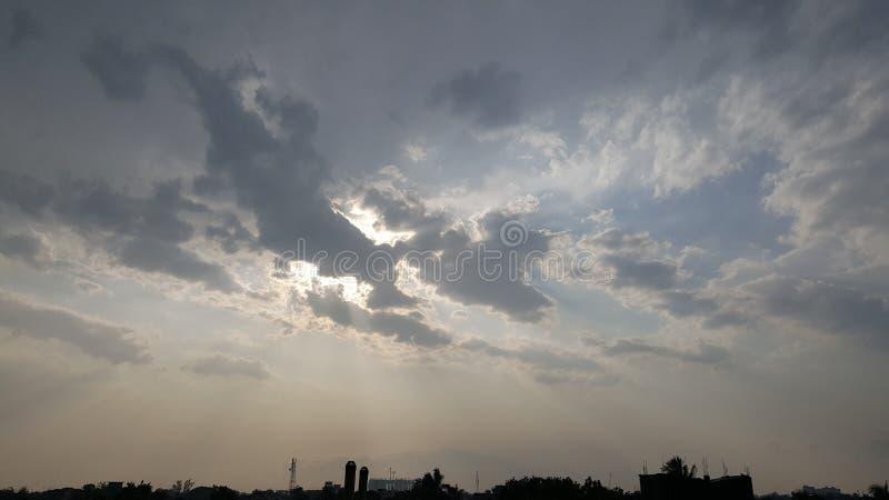 Небо смотрит настолько славным и так красотой стоковое изображение