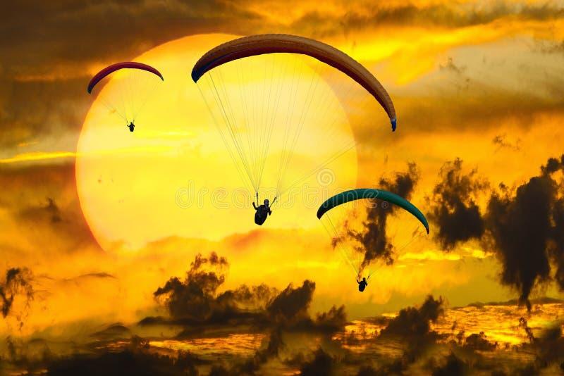 Небо, спорт воздуха, парапланеризм, желтый цвет