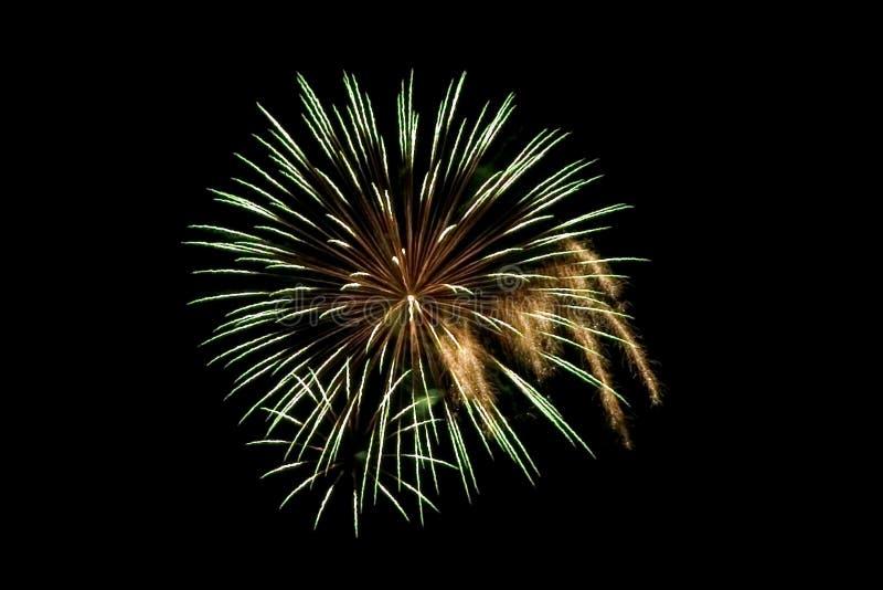 Download небо фейерверков стоковое фото. изображение насчитывающей вспышка - 1184732