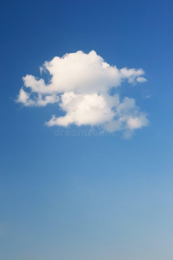 Download Небо стоковое изображение. изображение насчитывающей облако - 40581051