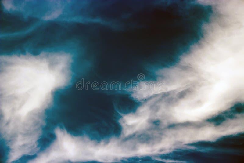 Небо overcast как шторм приходит стоковое фото rf