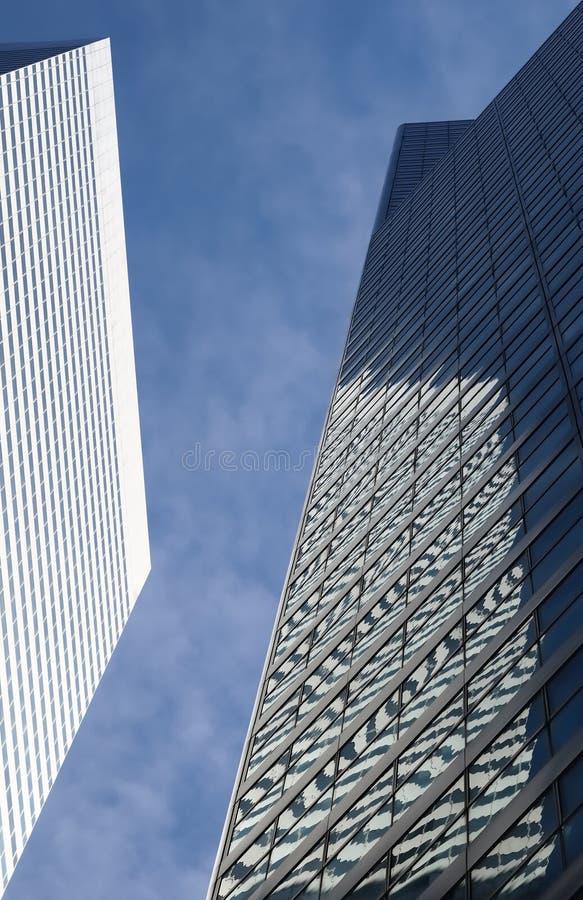 небо reflectons зданий стоковая фотография