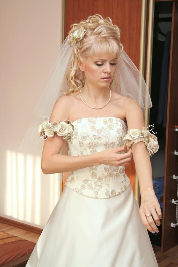 невеста довольно стоковые фото