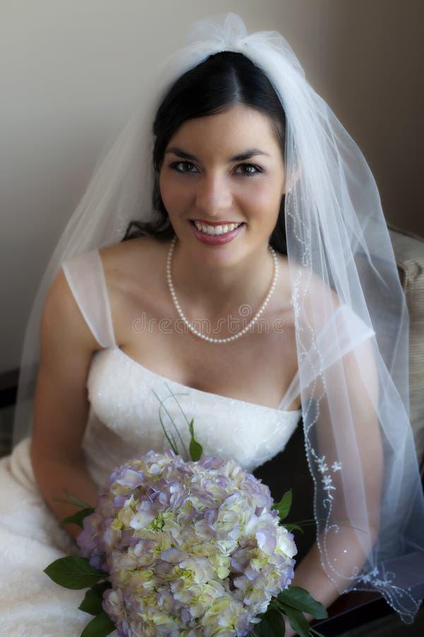 невеста счастливая стоковое фото