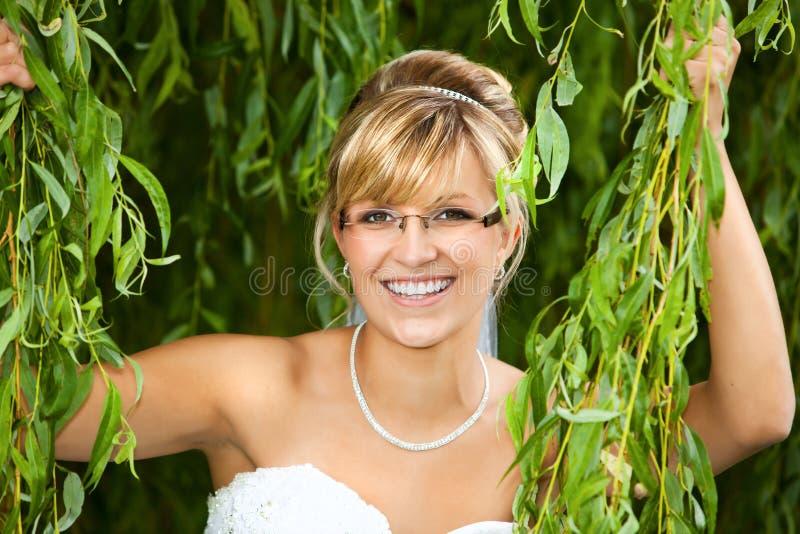 Невеста с стеклами - eyeglasses стоковая фотография rf
