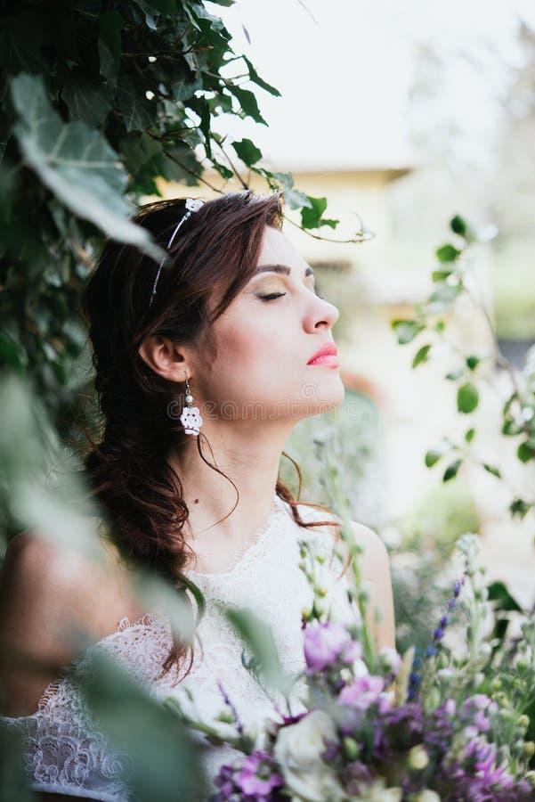 Невеста хиппи богемская молодая стоковые фотографии rf