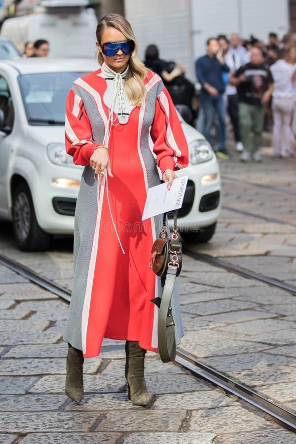 Неделя 2018 моды женщины милана стоковое фото