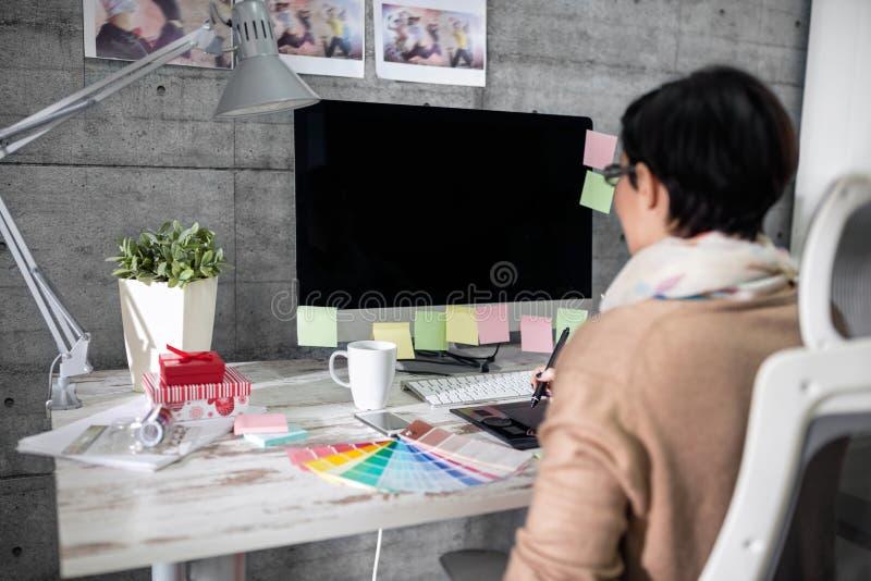 Фрилансеры дизайнеры в спб биржа для фрилансеров в беларуси