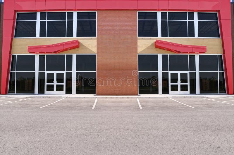 Незанятый родовой фронт магазина стоковое изображение rf