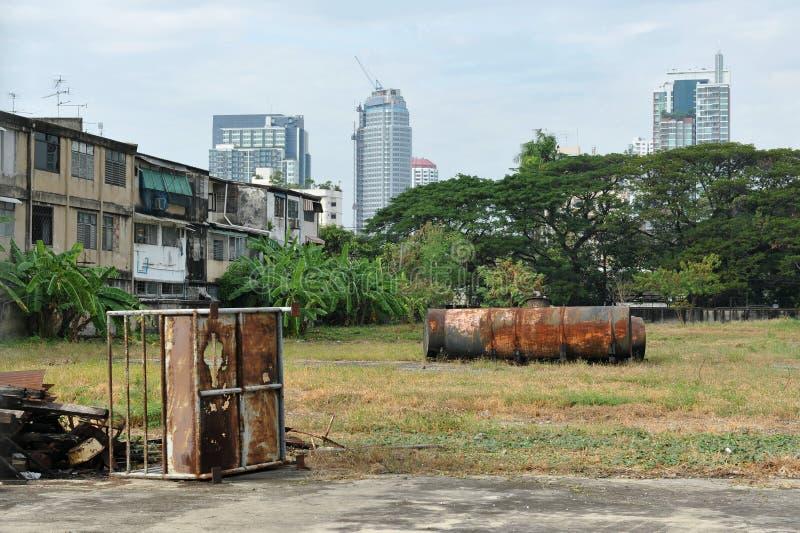 Неиспользуемая земля города стоковые изображения