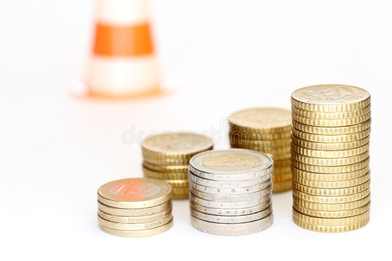 Некоторые различные стога монетки евро, символ риска стоковое фото rf