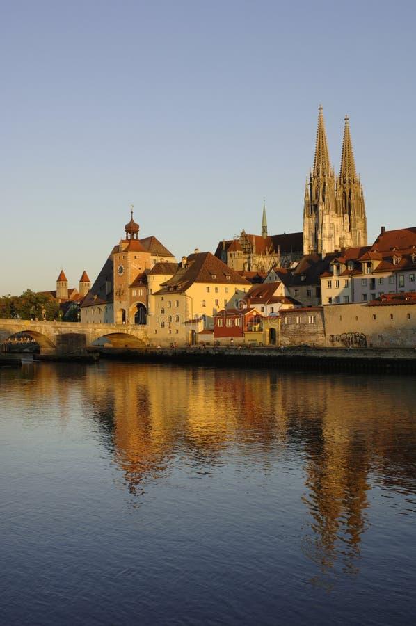 немецкая панорама regensburg к городку стоковые фотографии rf