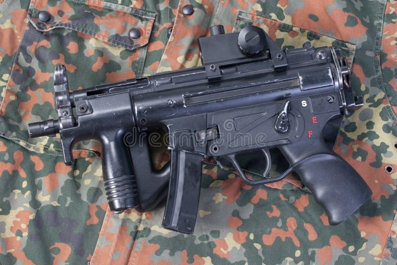 Немецкая самомоднейшая пушка submachine стоковая фотография