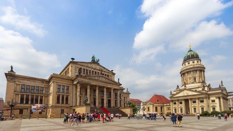 Немецкий квадрат Берлин Gendarmenmarkt концертного зала собора стоковые фото