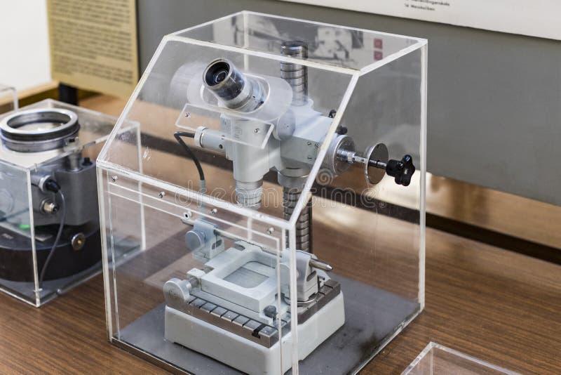 Немецкий музей достижений науки и техники представляет собой экспозицию старых механизмов производства энергии стоковые изображения rf