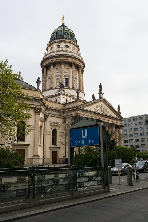 Немецкий собор на Gendarmenmarkt стоковые фотографии rf