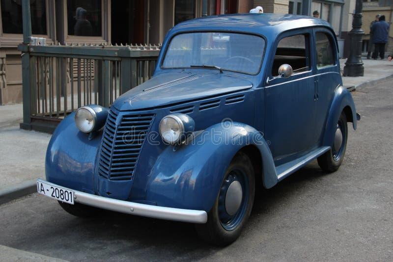 Немецкий старый автомобиль Шевроле стоковые изображения rf