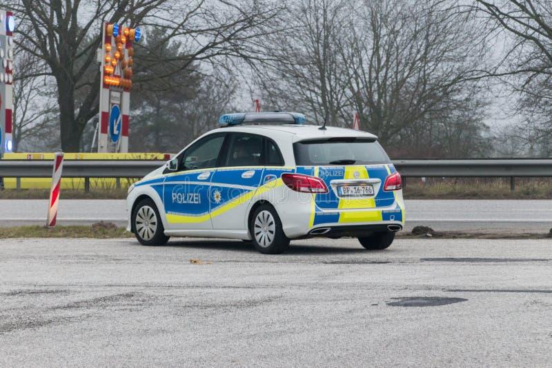 Немецкое положение полицейской машины на Немецк-датской границе стоковые изображения rf
