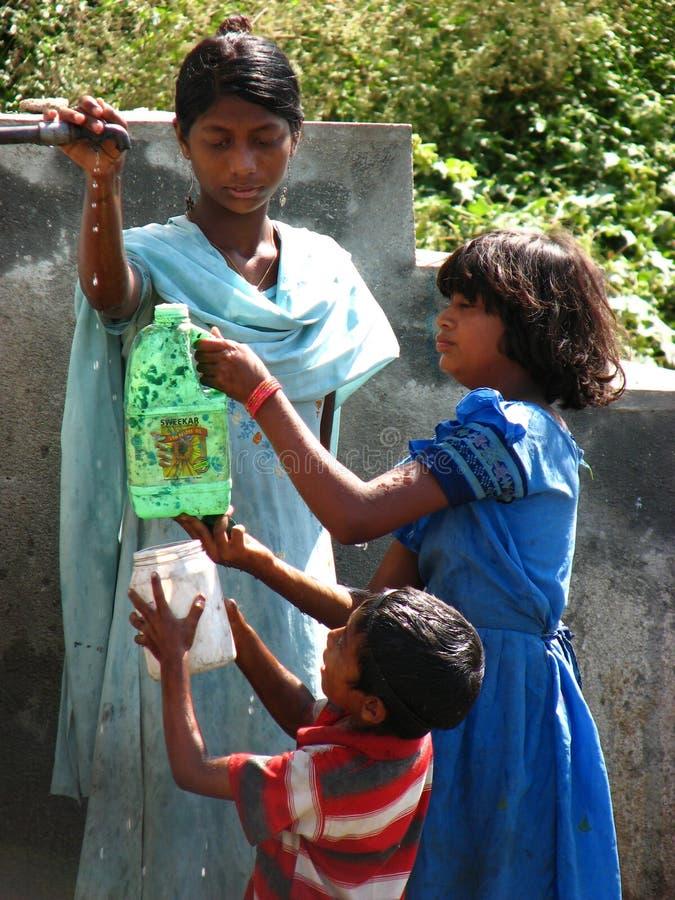 Немногочисленность воды в Индии стоковое изображение rf