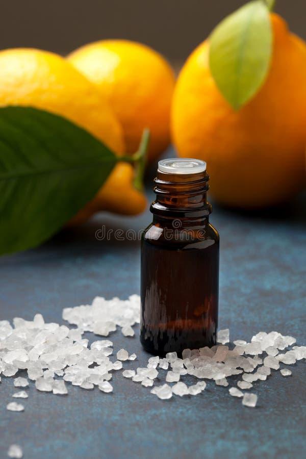 необходимое масло лимона стоковые фото