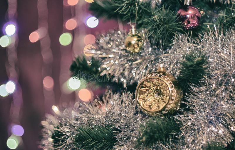 Необыкновенная полусфера на рождественской елке стоковые изображения rf