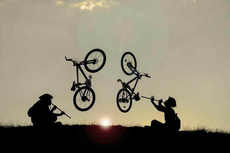 Необыкновенный велосипед концепции стоковые изображения rf