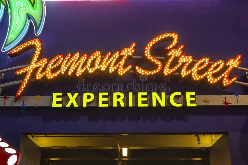 Неоновая вывеска - опыт улицы Fremont в городских Лас-Вегас - ЛАС-ВЕГАС - НЕВАДЕ - 23-ье апреля 2017 стоковое фото rf