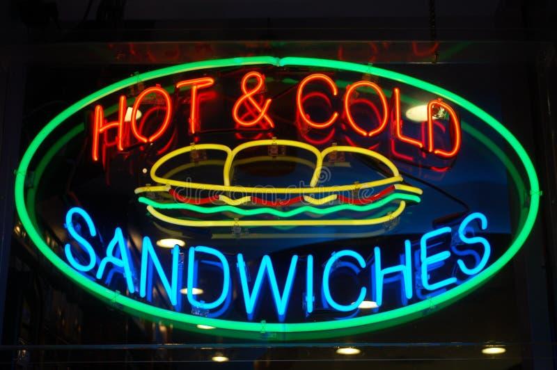 неоновый знак сандвича стоковое изображение rf