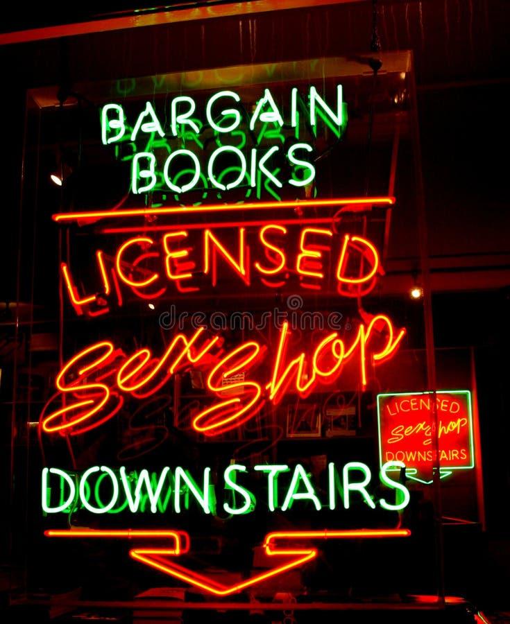 неоновый магазин секса стоковая фотография rf