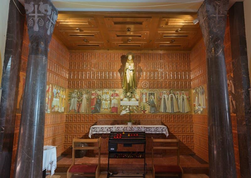 Нео готическая церковь интерьера St Martin в кровоточенный стоковые фотографии rf