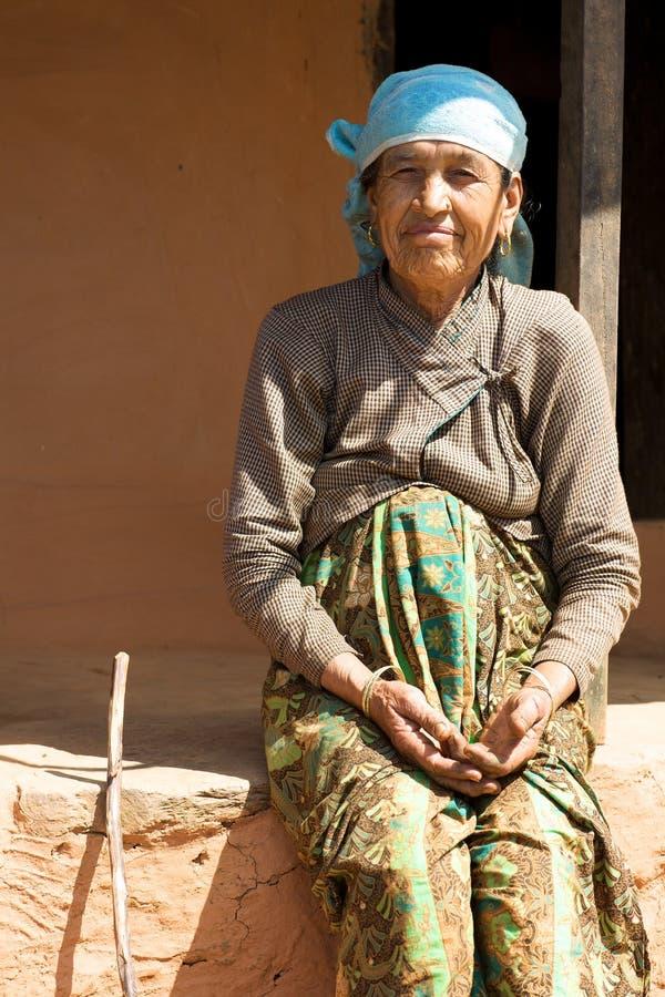 непальская более старая женщина стоковое фото