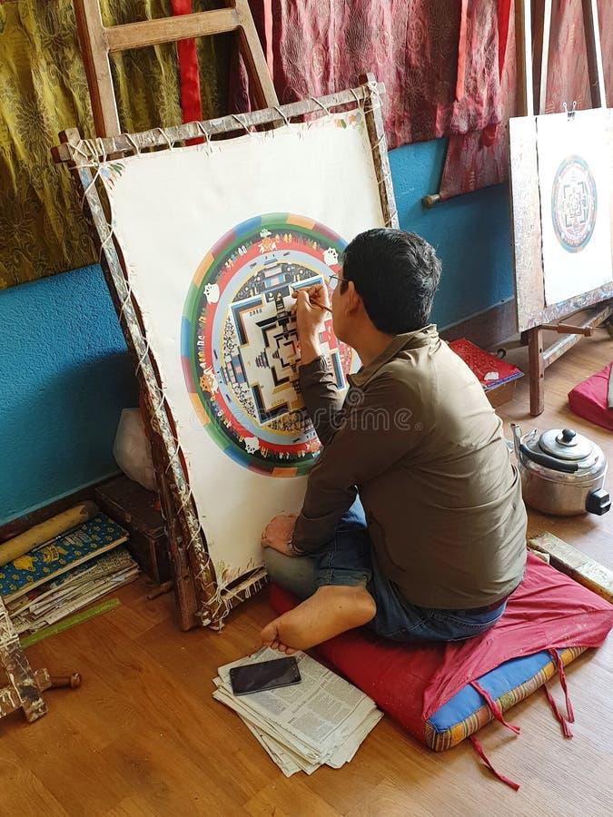 Непальская картина художника мандала стоковая фотография