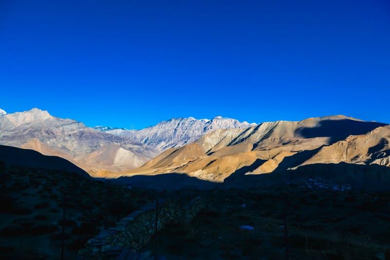 Непал - гималайская горная цепь стоковая фотография rf