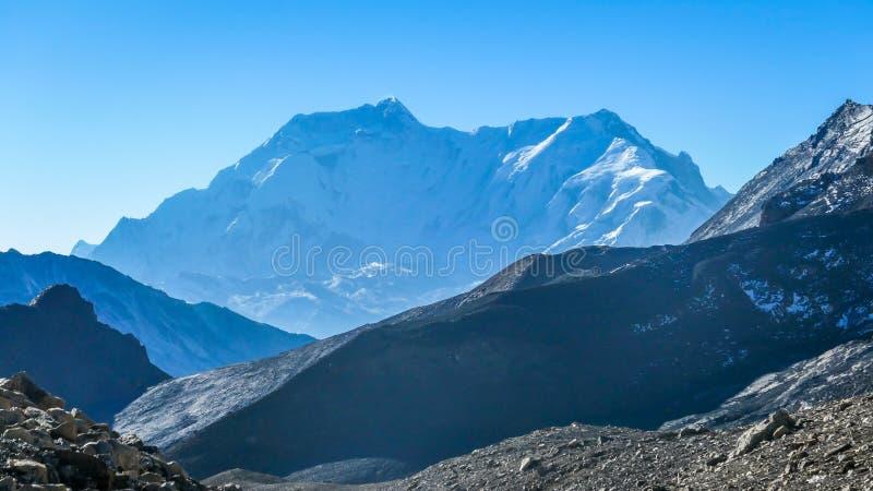 Непал - туманный гималайский ряд стоковое изображение
