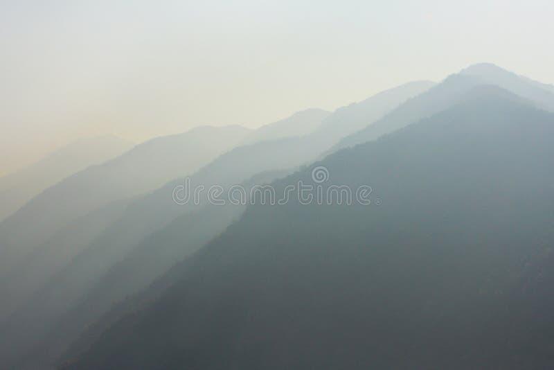 Непал, утро в Гималаях стоковое фото