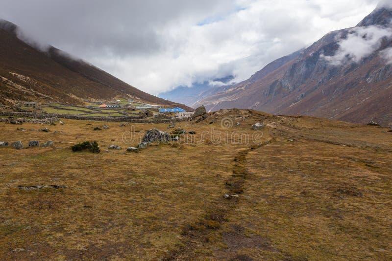 Непальское горное село, Lungde стоковое фото rf