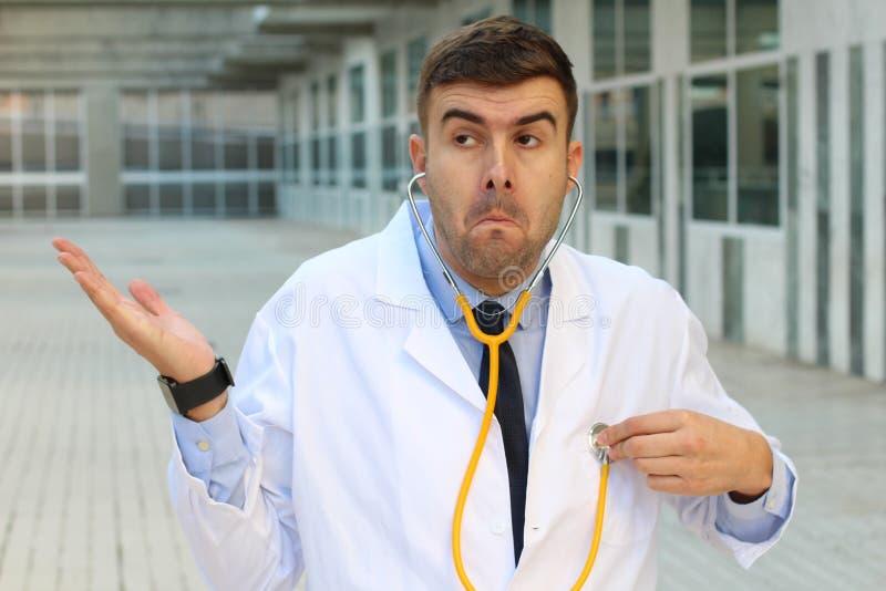 Неподготовленный доктор без идеи стоковые фото