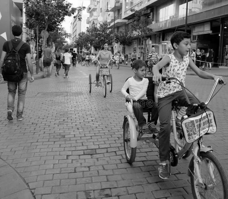 Нерабочий день автомобиля в Бейруте, Ливане на улице Hamra стоковое фото rf