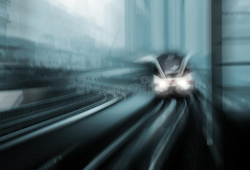 Нерезкость движения быстроходного поезда