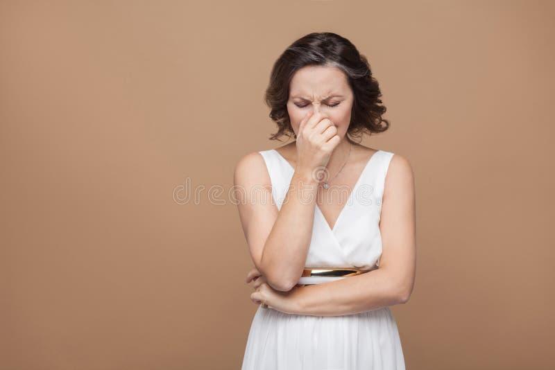 Несчастный выкрик взрослой женщины стоковые фотографии rf