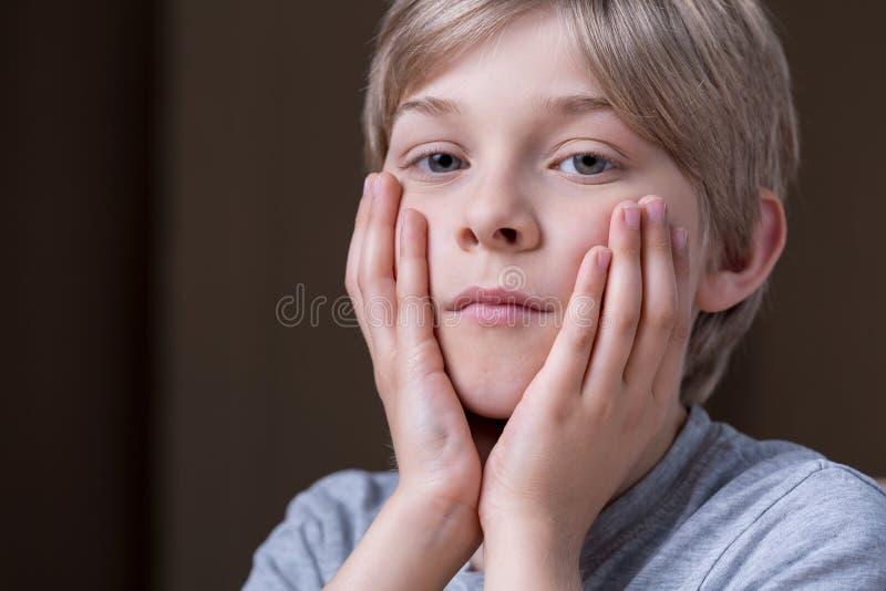 Несчастный малый ребенк стоковые изображения rf