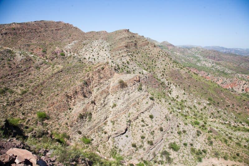 Неурожайные горы стоковое изображение rf