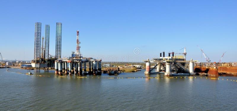 нефтяная платформа стоковая фотография