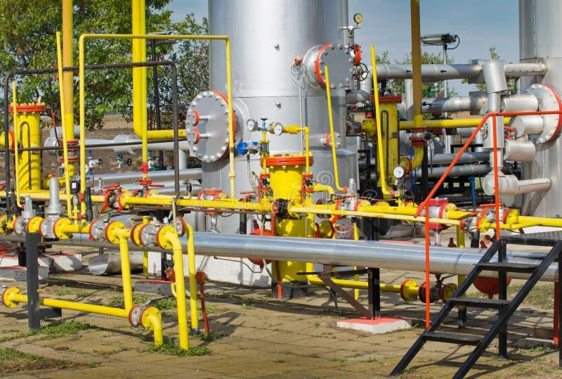 Download Нефтяная промышленность нефти и газ Стоковое Изображение - изображение насчитывающей поколение, оборудование: 37927771
